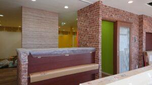 内装工事終盤/楽しい雰囲気の歯科医院